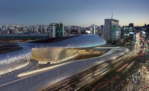 Заха Хадид открыла культурный центр в Сеуле. Изображение № 1.
