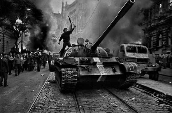 """Книга Йозефа Коуделки. """"Вторжение 68 Прага"""". Изображение № 7."""