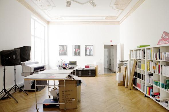 Рабочее место: Юстус Ойлер, арт-директор дизайн-студии Pentagram в Берлине. Изображение № 8.