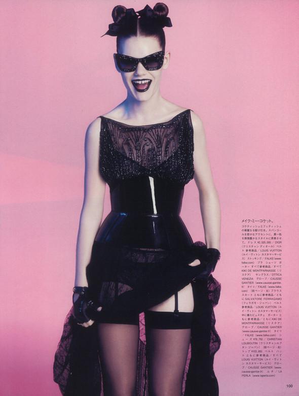 Съёмка: Келли Миттендорф для японского Vogue. Изображение № 2.