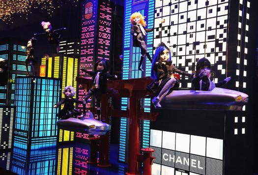 10 праздничных витрин: Робот в Agent Provocateur, цирк в Louis Vuitton и другие. Изображение № 4.
