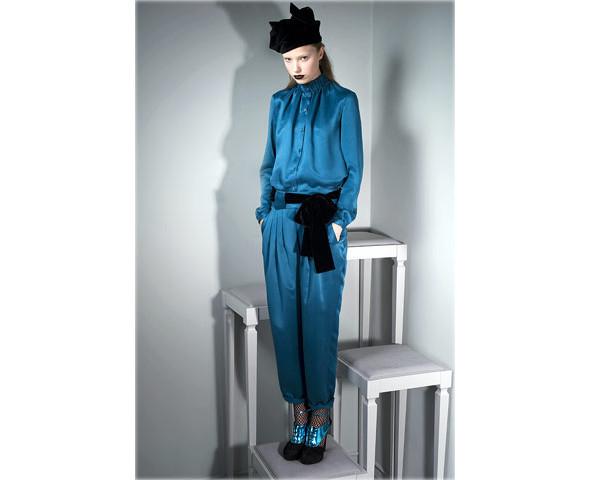 Новые коллекции: Acne, Dior, Moschino, Viktor & Rolf. Изображение № 39.