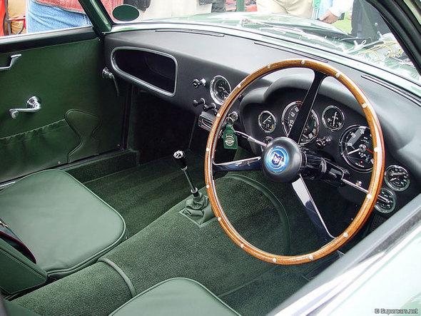 Aston Martin DB4 GTZagato. Изображение № 10.