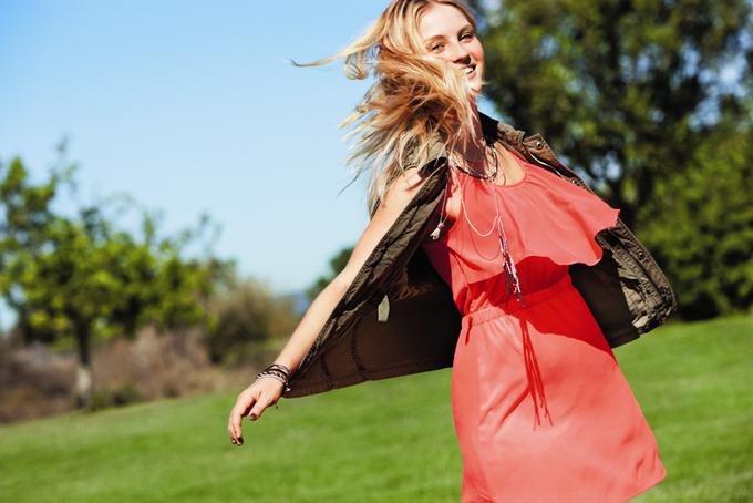 Chanel, Trends Brands и Urban Outfitters показали новые лукбуки. Изображение № 47.