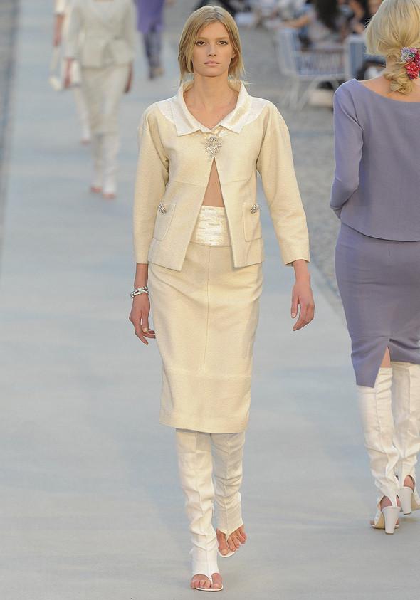 Изображение 4. Показана новая круизная коллекция Chanel.. Изображение № 4.