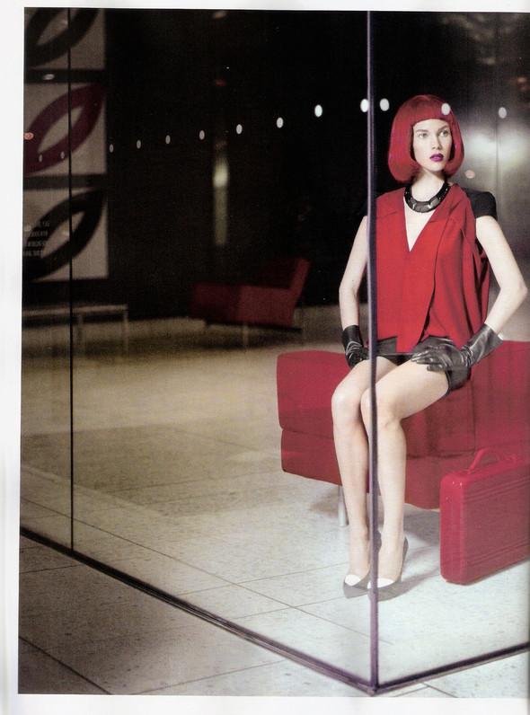 Съёмка: Бритт Марен для испанского Vogue. Изображение № 10.