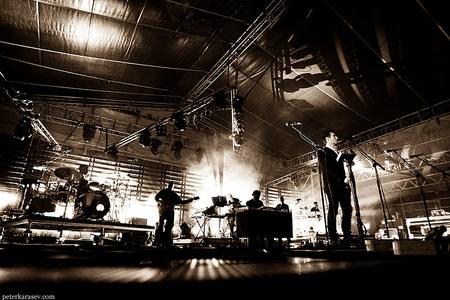 Massive Attack. Привет изПитера!. Изображение № 3.
