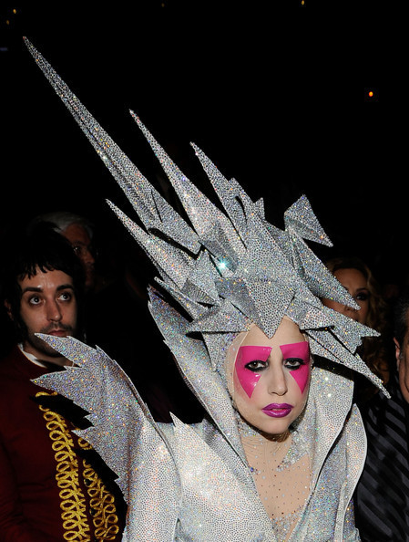 Очередные метаморфозы Lady Gaga. Изображение № 20.