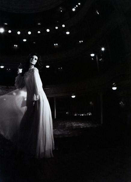 Архивная съёмка: Жизель Бундхен в фотосессии Мерта Аласа. Изображение № 1.