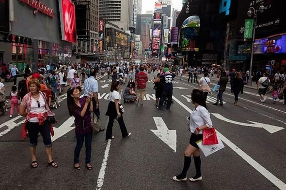 Площадь Таймс-сквер стала пешеходной. Изображение № 10.