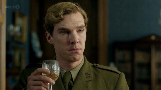 Бенедикт Камбербэтч  выпивает. Изображение № 17.
