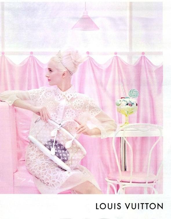 Превью кампаний: Versace, Louis Vuitton и Giuseppe Zanotti. Изображение № 2.