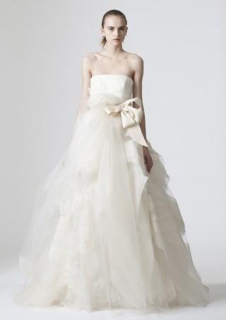 """""""Выбираем свадебное платье!"""" 93 идеи ведущих дизайнеров. Изображение № 51."""