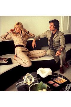 Двемузы известного дизайнера ИваСен Лорана. Изображение № 2.