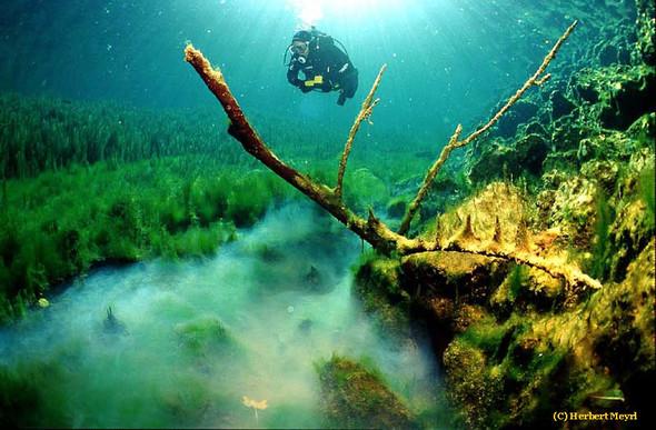 Фотограф Herbert Meyrl. Скамейки под водой. Изображение № 12.