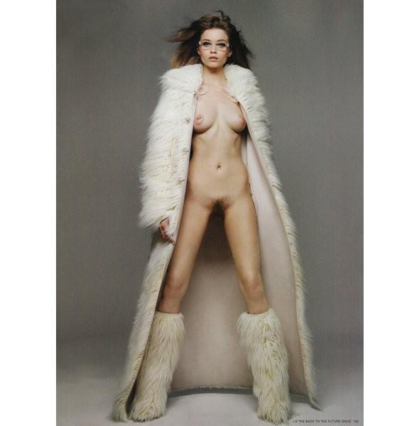 Новые съемки: Vogue, V и другие. Изображение № 21.