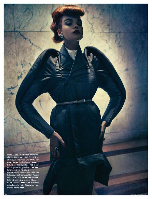 Съёмка: Кристал Ренн для немецкого Vogue. Изображение № 7.