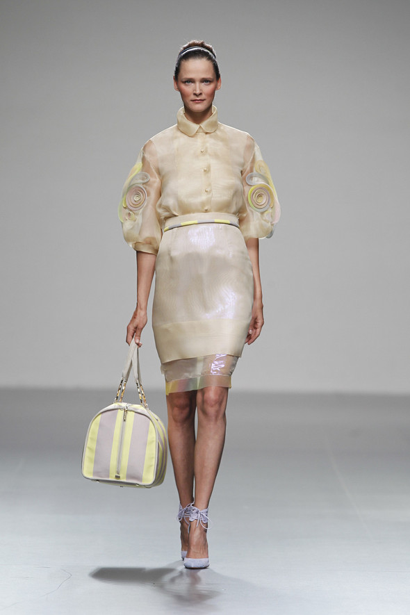 Madrid Fashion Week SS 2012: Victorio & Lucchino. Изображение № 15.