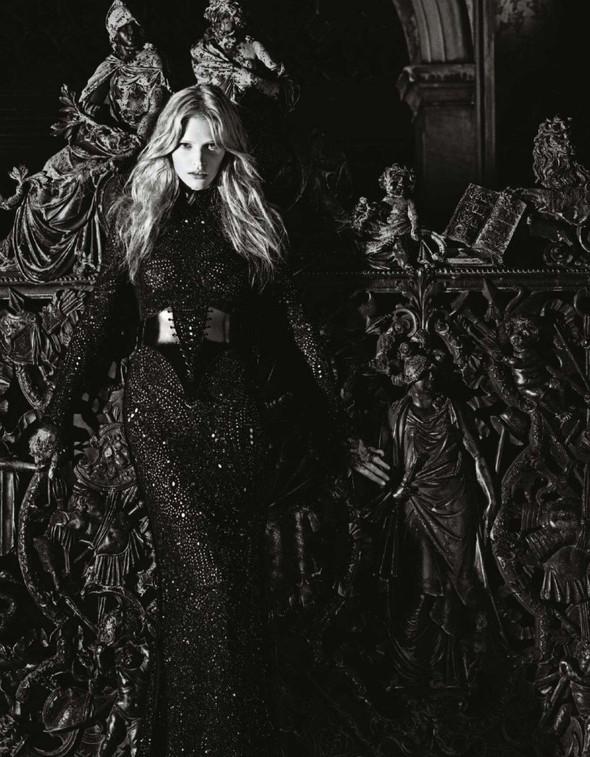 Съёмка: Лара Стоун в объективе Марио Сорренти. Изображение № 9.