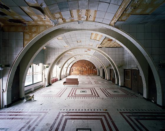 Найдено за неделю: Световая каллиграфия, натюрморты в одном тоне и панорамы разрушенных зданий. Изображение № 59.