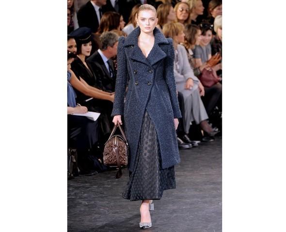 Можно все: Модели на показе Louis Vuitton. Изображение № 33.