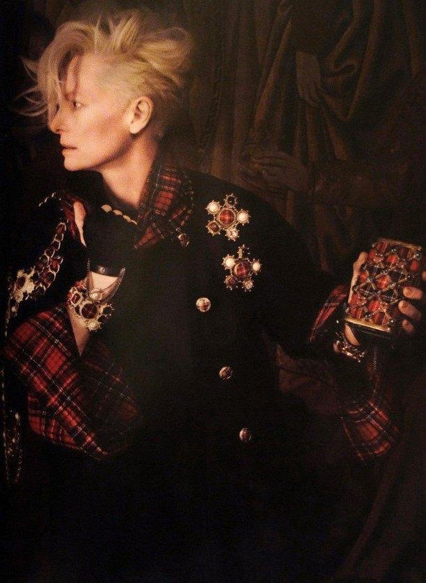 Вышли новые кампании Chanel, JNBY и Saint Laurent. Изображение № 1.