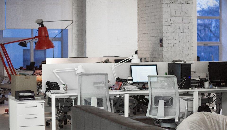 Кто страдает от офисного шума  больше всего . Изображение № 9.