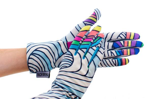 Цветные перчатки молодой марки Ena. Изображение № 3.