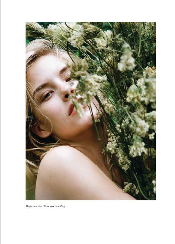 Стоп-кадр: Новые съемки Love, Russh, Vogue и V. Изображение № 51.