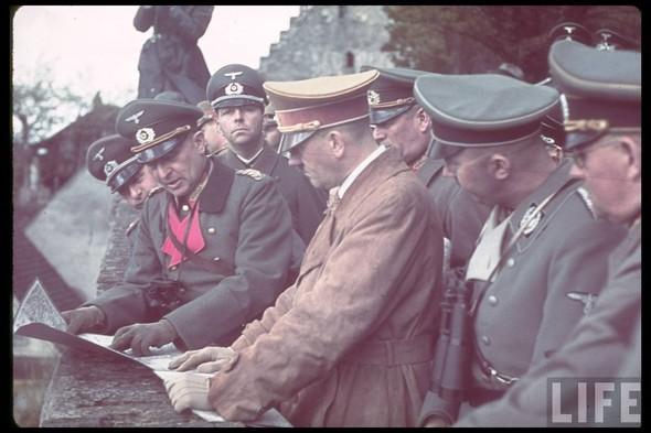 100 цветных фотографий третьего рейха. Изображение №75.