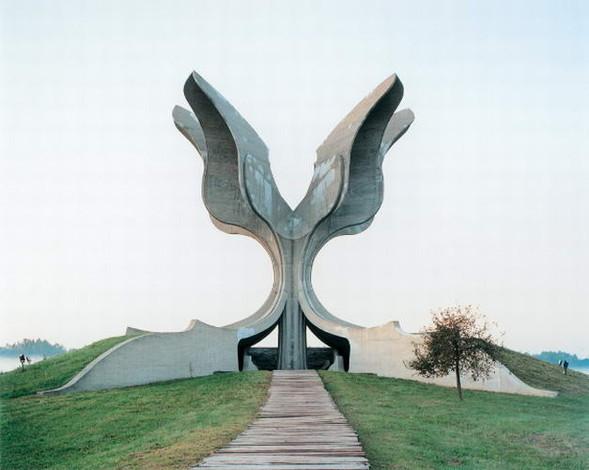 ЯнКемпенаэрс. Югославские споменики. Изображение № 9.