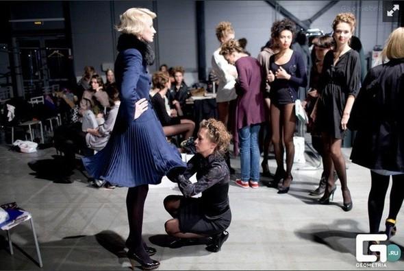 Пальто как платье. Интервью с дизайнером Екатериной Смолиной. Изображение № 1.