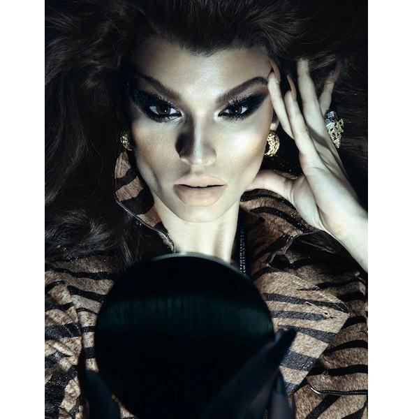 Гид по новому номеру французского Vogue под редакцией Тома Форда. Изображение № 26.