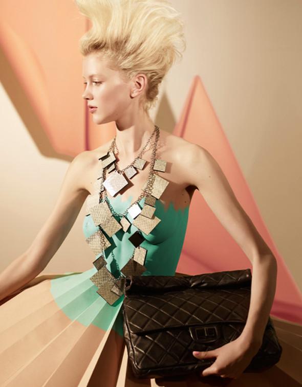 Платья из бумаги: Мэтью Броди для журнала Madame. Изображение № 3.