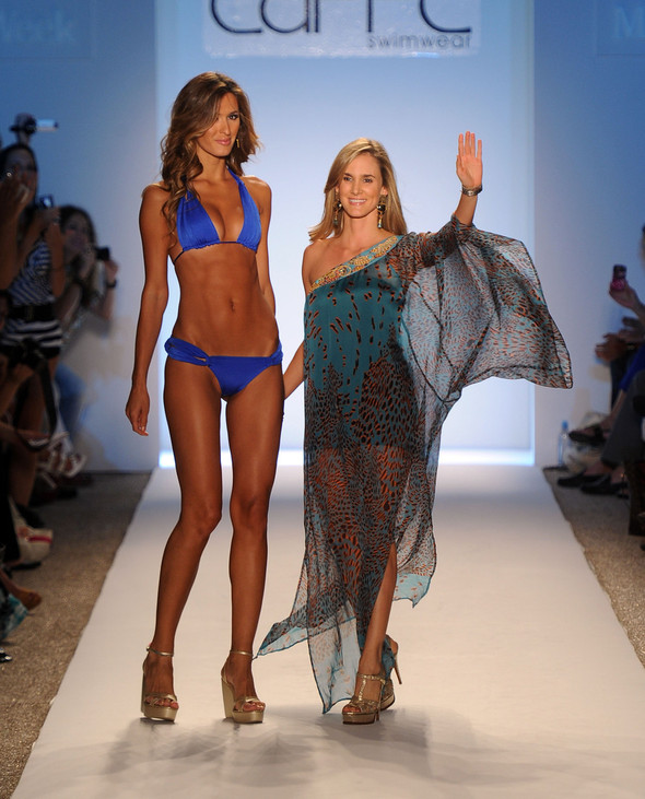 Купальный сезон 2012: Mercedes-Benz Fashion Week Miami [SWIM]. Изображение № 38.