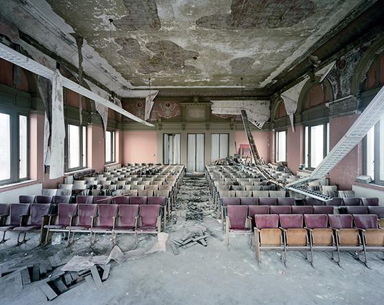 Найдено за неделю: Световая каллиграфия, натюрморты в одном тоне и панорамы разрушенных зданий. Изображение № 61.