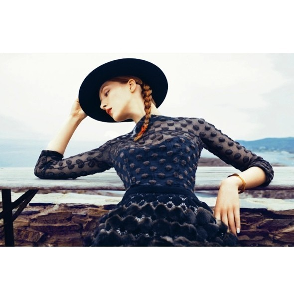 5 новых съемок: Interview, Marie Claire и Vogue. Изображение № 15.
