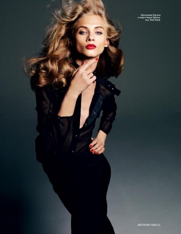 Съёмка: Анна Селезнева для российского Vogue. Изображение № 8.
