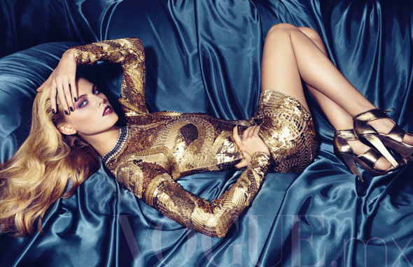 Съёмка: Марина Линчук для Vogue. Изображение № 1.