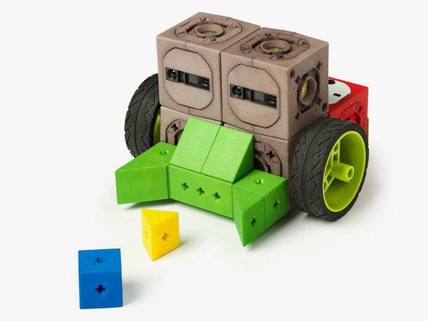 Своего робота можно будет построить из кубиков. Изображение № 2.