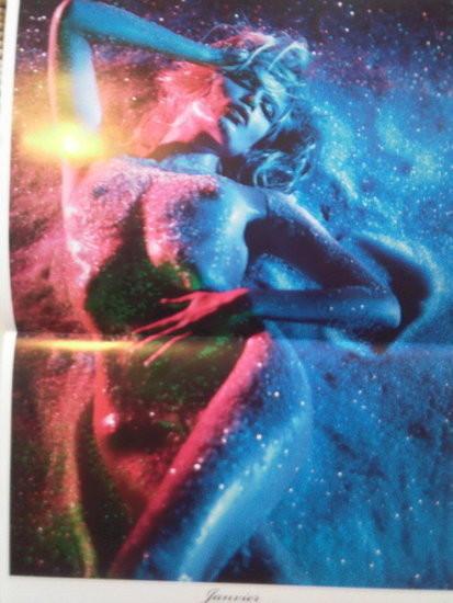 Календарь французского Vogue: отдушина Карин. Изображение № 11.