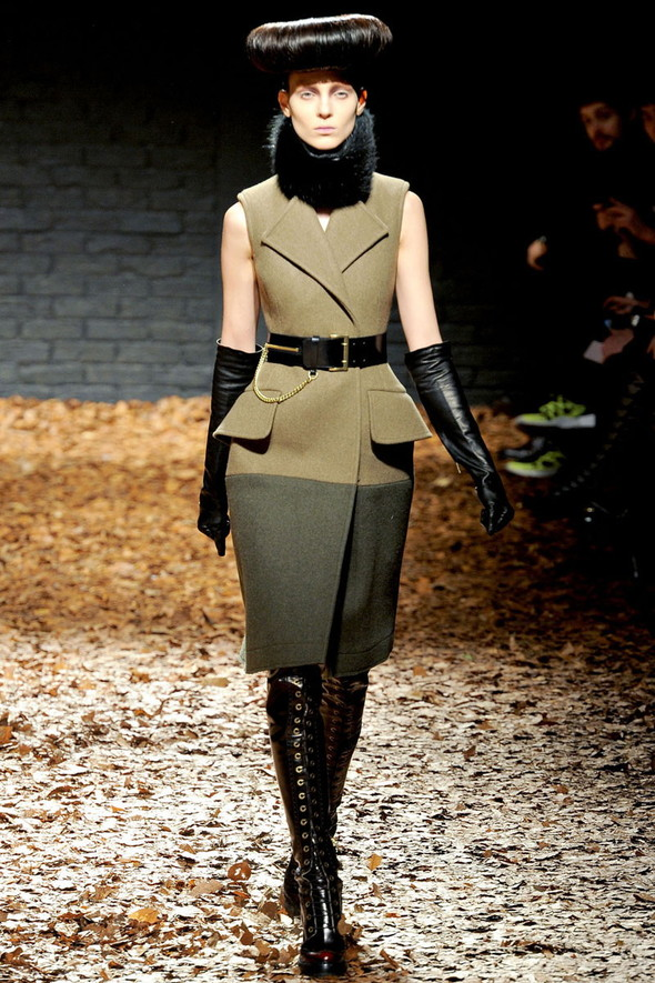 Лукбук McQ by A. McQueen F/W 2012-13, Женская и мужская коллекции. Изображение № 3.