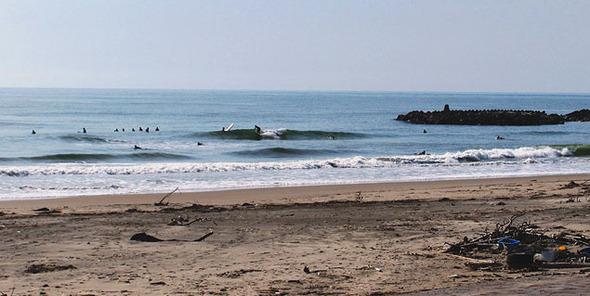 Серфинг в 26 км от реактора АЭС Фукусима. Изображение № 1.