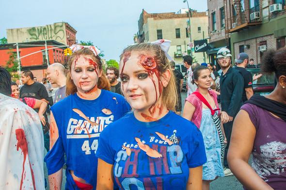 Зомби парад в Нью Йорке. NYC Zombie Crawl.. Изображение № 12.