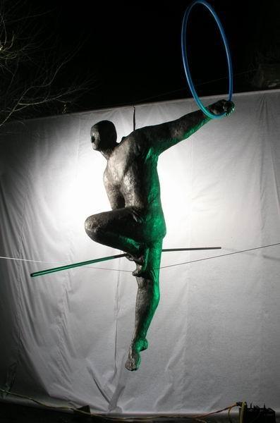 Скульптуры Джерзи Кедзиоры, парящие в воздухе. Изображение № 24.
