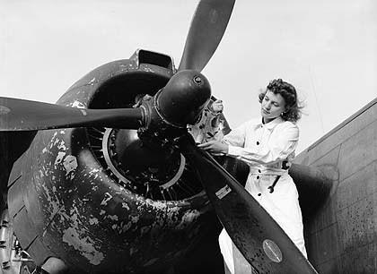 Изображение 5. Laurel Wreath Ventile Bomber Jacket.. Изображение № 4.
