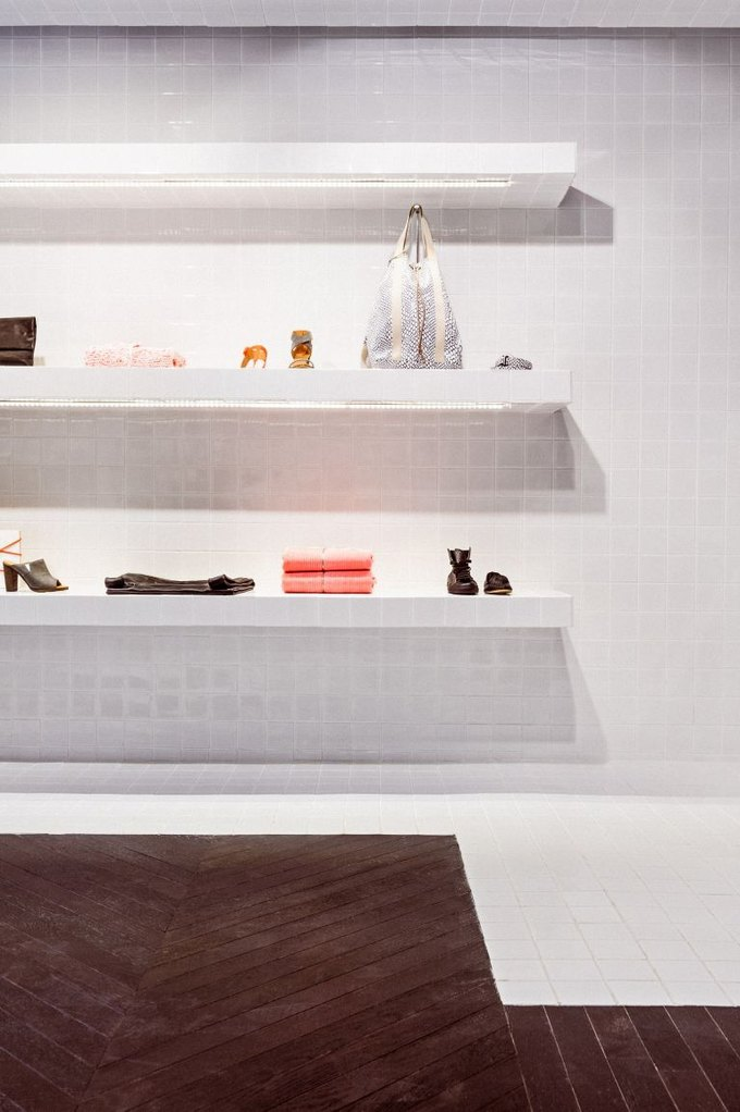 Loewe, Louis Vuitton и MM6 открыли новые магазины. Изображение № 15.
