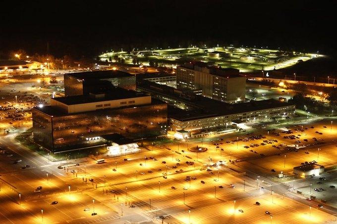 Журналист сфотографировал штаб-квартиры спецслужб. Изображение № 3.
