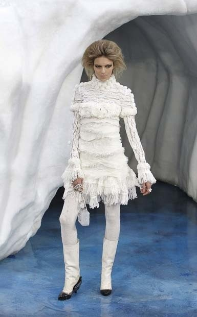 Ледяное шоу от Chanel. Изображение № 10.