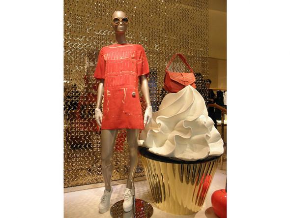 Новые магазины: Louis Vuitton в Риме, Chanel в Москве и Celine в Нью-Йорке. Изображение № 15.